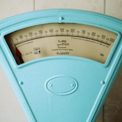 世界最軽量のドローンはバッテリー不要?太陽光を使えば1円玉ドローンも実現か!?