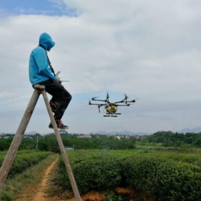 中国の農家でドローン操縦士になる人が急増中!その理由とは