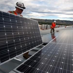 太陽光発電設備の点検はドローンにお任せ!?クラウド連携による情報の一気通貫