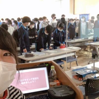 長野飯山高校の学生200名の前で講演!「ドローンで旅する薬剤師の生き方」