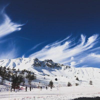 スキー場でドローンは飛ばせる?気を付けるべきポイントまとめ