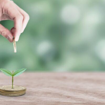 補助金を活用して、ドローンも活躍するスマート農業の波に乗ろう!